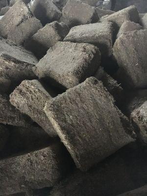 Топливные брикеты из растительного сырья.